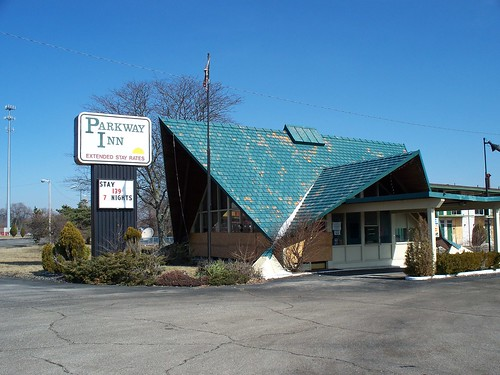 OH Dayton - Parkway Inn by scottamus.