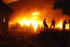 (Bruno Fraiha) Tags: sjc fogo incendio saojosedoscampos bombeiros sjcampos bfstudio brunofraiha incendiomadeireira