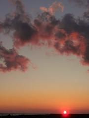 Hasta maana (Jcaro.g) Tags: sunset sky orange naturaleza sun sol praia beach clouds atardecer do day afternoon natureza natur laranja playa dia cu cotton final cielo nubes end nuvens late naranja ocaso algodo prat pr algodn