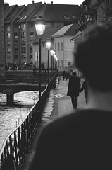 L'inconnu (Mlanie Sarro) Tags: boy annecy blackwhite solitude alone loneliness nb amour bonheur ballade tristesse amoureux mlancolie envie
