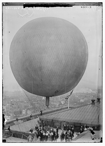 Balloon at Wanamakers (LOC)