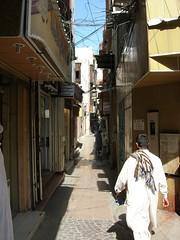Lane in downtown Jeddah (Travel Aficionado) Tags: middleeast lane saudi jeddah altstadt citycenter saudiarabia citycentre jedda gasse historicbuilding saudiarabien djidda jidda jiddah naherosten mittlererosten stadzentrum dschidda djeddeh dschiddah