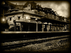 TRaiN STaTioN (SwEeTcHy) Tags: light luz station sepia train tren farola rail asturias estacion vias asturies aller moreda fineartphotos abigfave aplusphoto yourbestshot