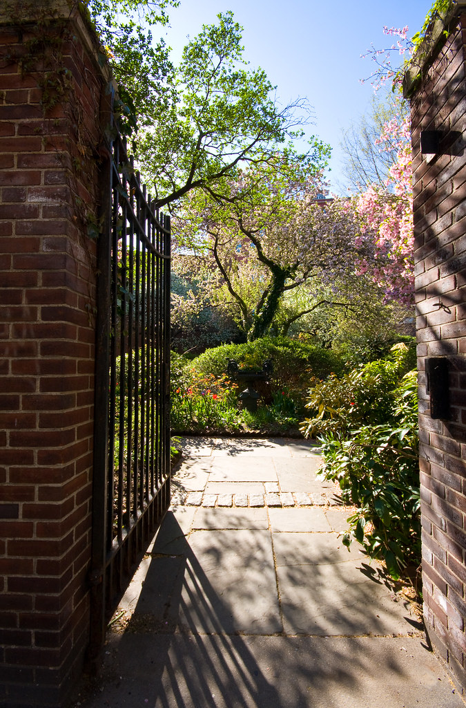 Manhattan's hidden gardens