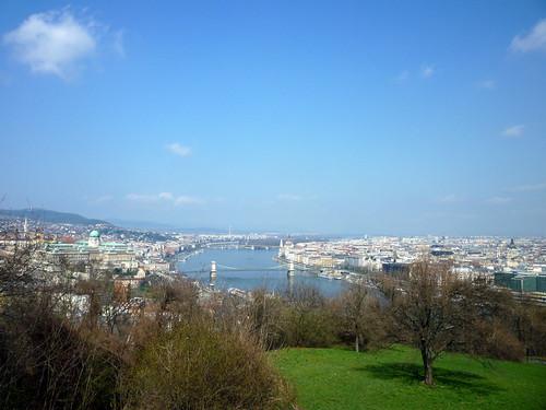 Vistas de Budapest. Buda, Pest y el Danubio.
