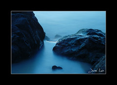 Blue Water ([Juan Luis]) Tags: beach uruguay mar rocks playa rocas atlntico costadeoro canelones colorphotoaward araminda