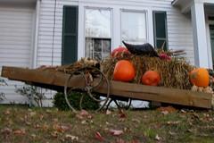 2007 - 12 - 01 - Fall decorations along Broad Street (Mississippi Snopes) Tags: autumn pumpkins hay cart frontyard wagonwheel lawndecoration fallschurchvirginia