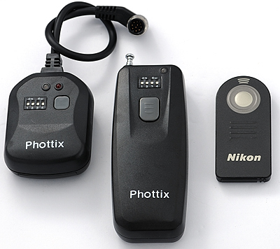 Phottix remote vs Nikon ML-L3, top view