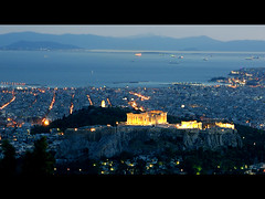 Night falls over Athens (MarcelGermain) Tags: city sea mountains streets skyline night port geotagged lights islands evening nikon cityscape harbour ships landmark athens parthenon greece acropolis myfavourites nightfall  atenes lycabettus  grcia d80 parten  theperfectphotographer marcelgermain twtmesh010818