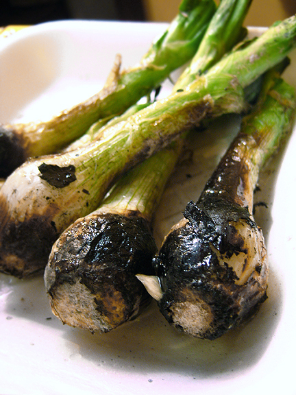 Grilled Scallions for Tasajo Beef