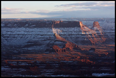Sunset at Deadhorse Point (rickz) Tags: sunset color beautiful circle landscape utah nationalpark ut view gorgeous scenic grand canyon deadhorsepoint canyonlandsnationalpark canyonlands 2007 islandinthesky gcrt2007d4