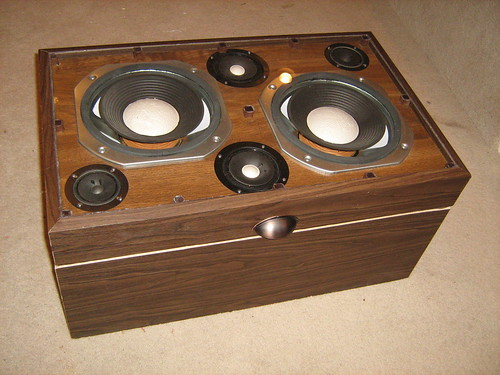 Diy Weekend Projects - Old Speaker to Media Center