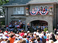 Hillary in Mayfield, Kentucky (circulating) Tags: election kentucky ky politics hillary candidate vote hillaryclinton campaign democrat primary mayfield hillaryrodhamclinton firsthand thisisky