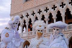 Carnevale di Venezia 2017 (ej - photography) Tags: venice venedig venezia carnevale 2017 maskes masken kostüm fujifilm xt1 fujinon xf18135mmf3556r sanmarco dogenpalast italien italia mask stadt town history geschichte italy italie venise carnival venezien