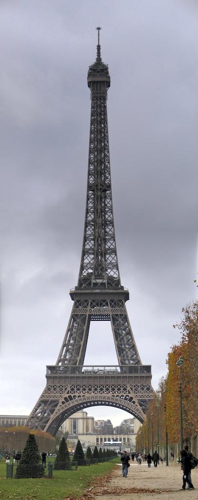 Eiffel Tower - Paris em Novembro