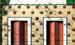 Barcelona - Valncia 149 d (Arnim Schulz) Tags: barcelona espaa building art faence architecture tile liberty spain arquitectura pattern arte mosaic kunst edificio kacheln mosaico catalonia artnouveau tiles gaud architektur catalunya deco espagne btiment gebude muster modernismo catalua spanien modernisme glazed azulejos jugendstil mosaque baldosa mosaik espanya katalonien stilefloreale eixample belleepoque baukunst carreau