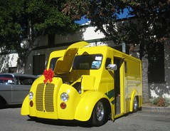 Got Milk? Divco Truck - 1947 (MR38) Tags: yellow truck milk custom 1947 divco