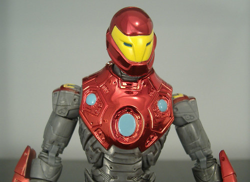 Ultimate Iron Man - close