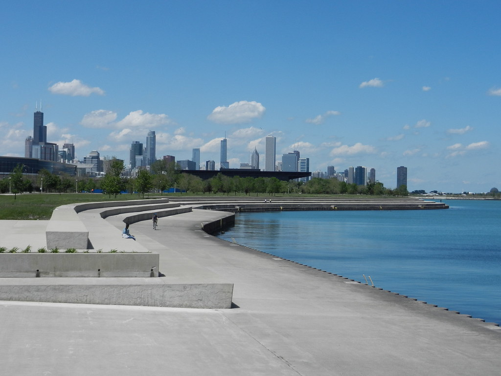 Chicago: Lake Shore park (of some sort)