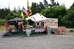 The Yum-Yum Wagon (Promote The Band) Tags: washington fruitstand claycoltonband