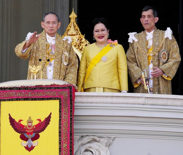 78138590CK_THAILAND_KING_22.JPG