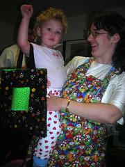 Girl meets tote bag
