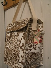 brown lace oilcloth lunchbag -craft 365-day 4