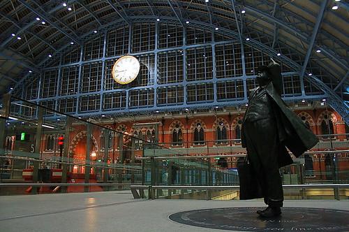 John Betjeman statue @ St.Pancras Station