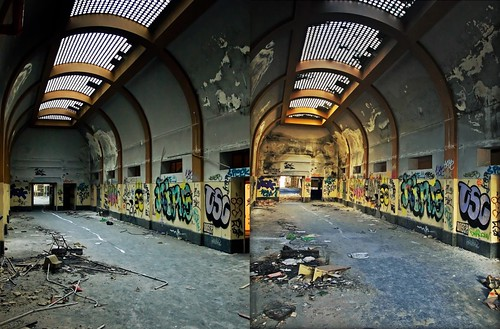 Galeria de ingreso. Antes y después.