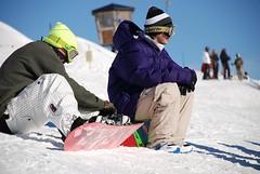 un antrenor, peter strom, cu fratele (oana.) Tags: camp switzerland snowboard girlie laax elvetia