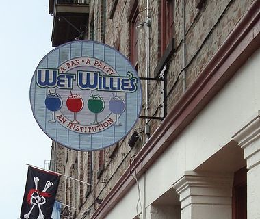 Wet Willie's - Restaurant - 101 East River Street, Savannah, GA, United States