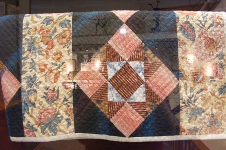 Day 2 - Petersburg Antique Shop - Quilt