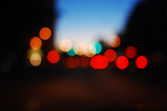 Chasing the Bokeh (Inside_man) Tags: sunset streetlight colorful boulevard bokeh dusk trafficsignal taillight movingtarget circlesofconfusion hbw sooc bokehlicious trafficbokeh chasingthebokeh