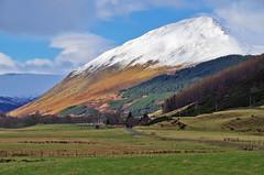 Beinn Dearg in glen Lyon (eric robb niven) Tags: ericrobbniven scotland glenlyon perthshire hillwalking hills tearoom bridgeofbalgie
