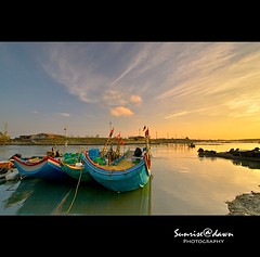 Colorful Sampans   01 ( SUNRISE@DAWN photography) Tags: seascape canon landscape taiwan wideangle  tainan   soe       platinumphoto theunforgettablepictures taiwanlandscape sunrisedawn    goldendiamondblog   gettyimagestaiwanq1 gettyimagestaiwanq2 gettyimagestaiwan12q3 gettytaiwan12q4 gettytaiwan13q1 gettytaiwan13q2 gettytaiwan13q3 taiwanseascape gettytaiwan14q1
