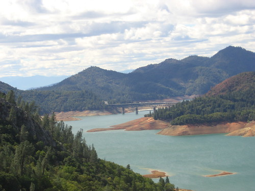 I-5 bridge over Lake Shasta