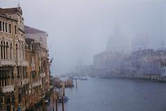 Venice (Barbara Rich) Tags: venice winter italy fog geotagged italia 1998 nebbia inverno venise venezia grandcanal santamariadellasalute veneto canalgrande doganadimare geo:lat=45431271 geo:lon=12333409