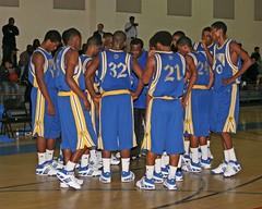 5D_2529A (RobHelfman) Tags: sports basketball losangeles highschool crenshaw bishopamat grizzlyclassic