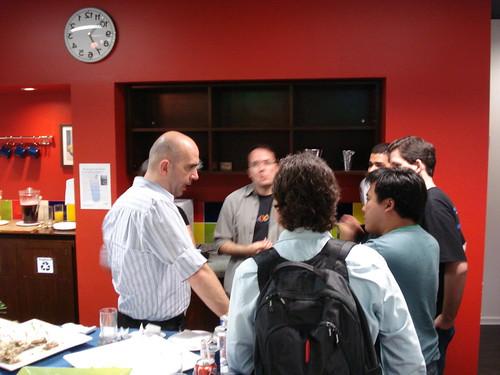 Felix Ximenes conversando com os bloggers por Patricia Müller.