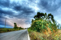 Verso la Tempesta (valerius25) Tags: road sardegna storm clouds canon strada nuvole sardinia digitalrebel hdr vento tempesta c22 400d sanluri valerius25 valeriocaddeu collettivo22 venti2 strovina
