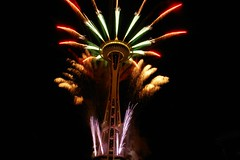 Celebrating-------------- (tollen) Tags: seattle fireworks joy spaceneedle celebratinglife anawesomeshot wheedleontheneedle excellenceinfireworksandpyrotechnics celebratingwellness celebratingfamily celecratingfriends celebratingholidayseasons