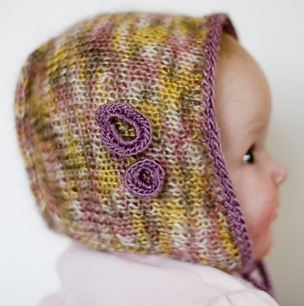 knitted-baby-bonnet-knittles