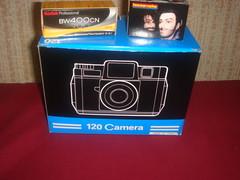 welcome to the lomo world! (Pepitoni) Tags: holga lomo lomography kodakbw400cn holga120 yashicaelectro35 holga120n yashicaelectro35gt holgabox yashicagt lomographyfilm yashicablack holga120nbox