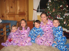 Pajama-rama (Scott Hermann) Tags: christmas girl toddler nathan jennifer bethany scotty pajamas margo issaquah 122507