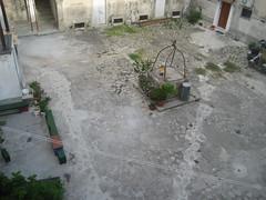 Piazza all´interno del castello (Monasterace)
