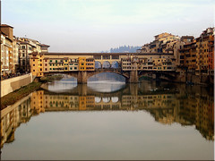 Ponte Vecchio (Angria) Tags: city bridge italy reflection beautiful architecture ro buildings river arquitectura italia ciudad florencia firenze arno pontevecchio middleage supershot golddragon ioete abigfave superbmasterpiece diamondclassphotographer theunforgettablepictures betterthangood theperfectphotographer simplysuperb goldstaraward giornatameravigliosa