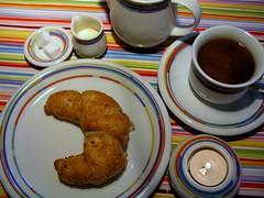Sunday-Breakfast (Heidi Dressendoerfer) Tags: coffee milk candle kaffee kerze sugar milch zucker croisant vollkorncroisant
