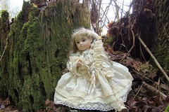 DSC01219dollever (portugita_norton) Tags: trees fern washington doll olympia evergreencollege livingdoll