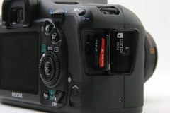 Pentax K20D - Memory Card Port