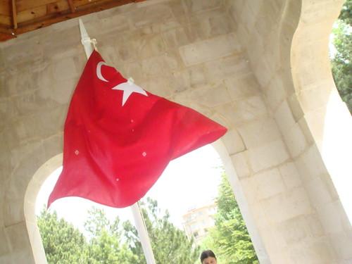 bayrakları bayrak yapan